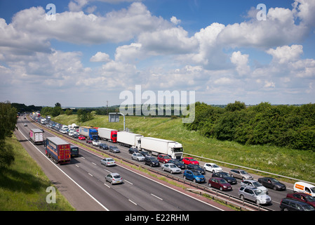Traffic Jam on the southbound M40 Motorway in Oxfordshire, England - Stock Photo