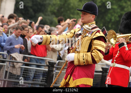 London, UK. 14th June 2014. Hundreds of Guardsmen take part in the Trooping the Colour parade, make their way along - Stock Photo