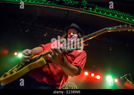 Detroit, Michigan, USA. 13th June, 2014. ANDREW MCKEAG of The Presidents of the United States of America performing - Stock Photo