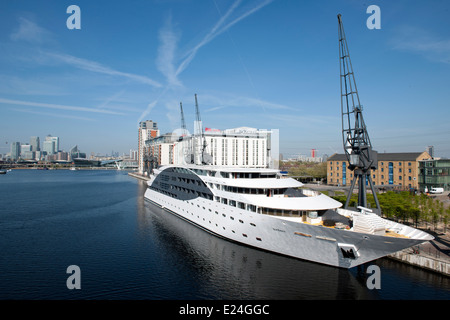 The Sunborn Floating Hotel, Royal Victoria Dock, London. - Stock Photo