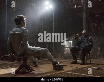 Film stills from upcoming Sci-Fi adventure movie 'Oblivion' featuring Tom Cruise (2013). Directed by Joseph Kosinski - Stock Photo