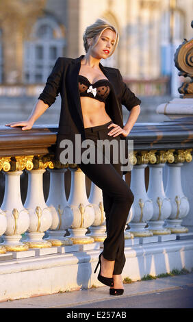 Sylvie van der Vaart during a photo session on Pont Alexandre III  Featuring: Sylvie van der Vaart Where: Paris, - Stock Photo