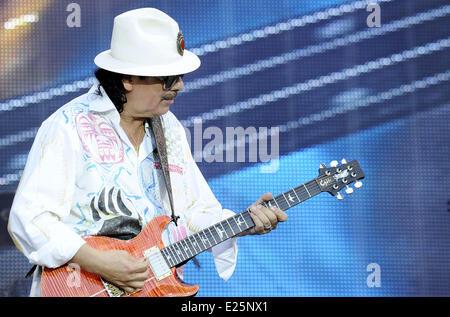 Les Vieilles Charrues 2013 - Day 4 - Performances  Featuring: Carlos Santana Where: Carhaix, France When: 21 Jul - Stock Photo