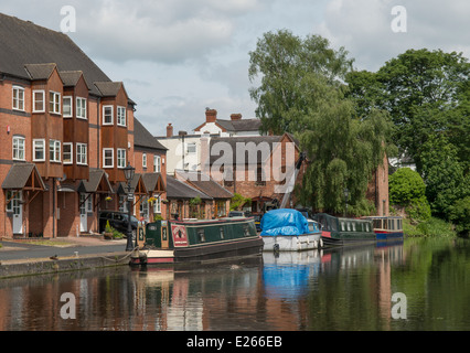 Boats on the Staffordshire and Worcestershire canal at Stourport on Severn in the county of Worcestershire, England. - Stock Photo
