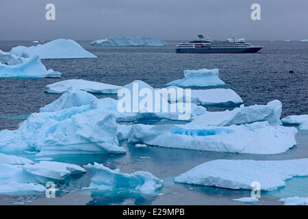 Antarctica, cruise on Boreal ship, Cuverville Island, in Errera Channel between Arctowski Peninsula and the northern - Stock Photo