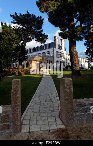 France, Cotes d'Armor, Perros Guirec, the hotel les Costans, outside view - Stock Photo