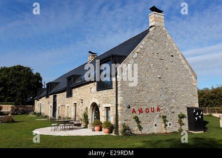 France, Morbihan, Baden, Le Val de Brangon, guest house top of the range, outside view - Stock Photo