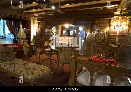 United Kingdom, Northern Ireland, Belfast, the Titanic Belfast museum, 1st class cabin with audio visual representations - Stock Photo