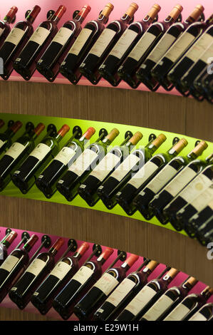 France, Gironde, Saint Emilion, cellar and wine bar l'Essentiel, the alignment of bottles - Stock Photo
