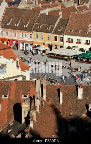 Romania, Transylvania, Brasov, Piata Sfatului (council square) - Stock Photo