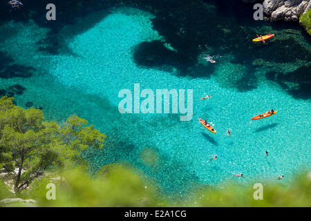 France, Bouches du Rhone, Marseille, european capital of culture 2013, the 9th district, Calanque d'En Vau, kayaking - Stock Photo