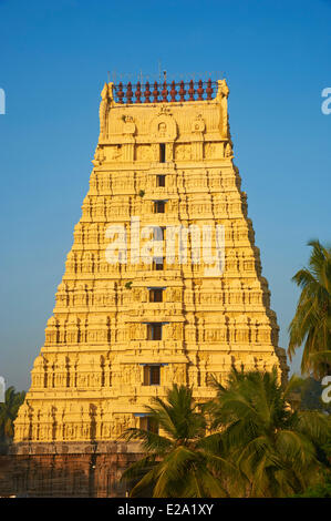 India, Tamil Nadu State, Kanchipuram, Devarajaswami Temple - Stock Photo