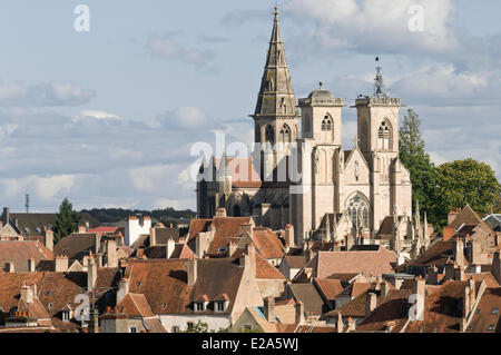 France, Cote d'Or, Semur en Auxois, the cathedral and collegiate church of Notre Dame - Stock Photo