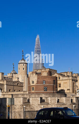 United Kingdown, London, the City, the Tower of London and the Shard London Bridge Tower by architect Renzo Piano, - Stock Photo