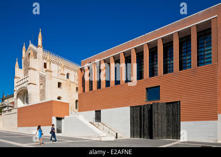 Spain, Madrid, San Jeronimo el Real church and Prado Museum new extension by architect Rafael Moneo from 2007 - Stock Photo