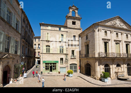 France, Herault, Pezenas, Hotel des Consuls Mansion and its fountain in Place Gambetta - Stock Photo