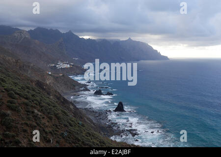 Spain, Canary Islands, Tenerife, TF 134 track leading to the Roque de las Bodegas - Stock Photo