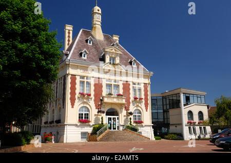 France, Pas de Calais, Loos en Gohelle, the town hall - Stock Photo