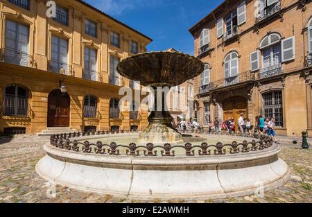 France, Bouches du Rhone, Aix en Provence, Place d'Albertas - Stock Photo