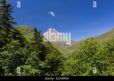 France, Hautes Pyrenees, Bagneres de Bigorre, Pic du Midi (2877m) - Stock Photo