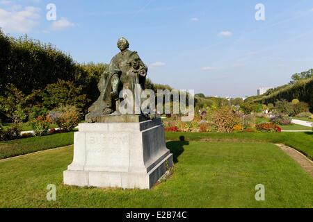 France, Paris, the Jardin des Plantes (Botanical Garden), statue of Georges Louis Leclerc de Buffon, biologist and - Stock Photo