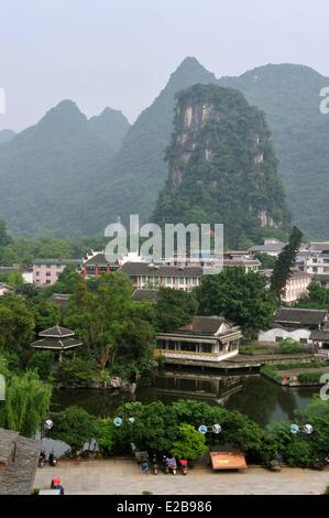 China, province of Guangxi, Guilin, Yangshuo, Karst mountain landscape - Stock Photo