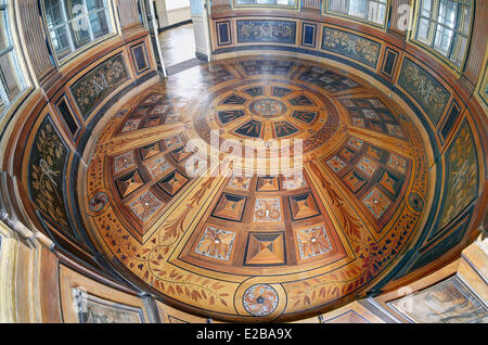 France, Yvelines, Maisons Laffitte, castle of Maisons, the Mirrors room and its parquet veneered in marquetry pattern - Stock Photo