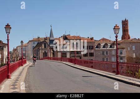 France, Lot et Garonne, Villeneuve sur Lot, the Bastide (Medieval fortified town), Pont Vieux (Old Bridge) or Pont - Stock Photo