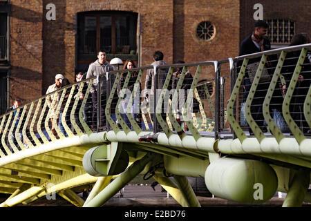 United Kingdom, London, Canary Wharf,áWest India Quays, old docks of the West India Company - Stock Photo