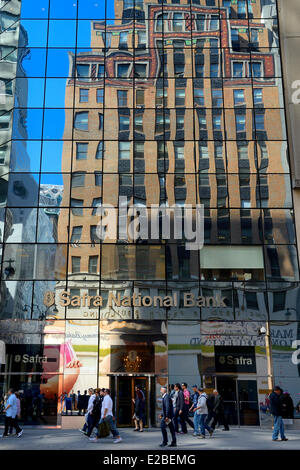 United States, New York City, Manhattan, Midtown, 5th Avenue, art deco Fred F. French Building reflecting in Safra - Stock Photo