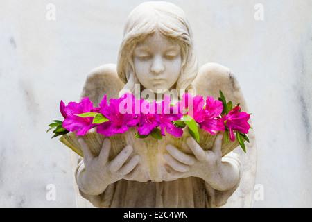 The Shell Girl with Azaleas, Bonaventure Cemetery, Savannah, Georgia - Stock Photo