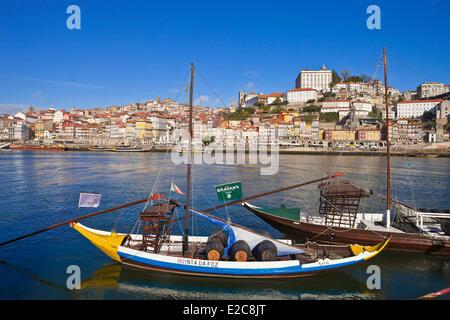 Portugal, Norte Region, Porto, historical center listed as World Heritage by UNESCO, the historic Cais de Ribeira - Stock Photo