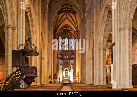 France, Pyrenees Atlantiques, Bayonne, Sainte Marie cathedral, interior, the nave - Stock Photo