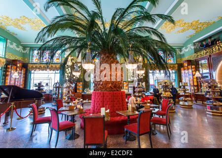 Russia, Saint Petersburg, listed as World Heritage by UNESCO, historic Yeliseyevsky store - Stock Photo