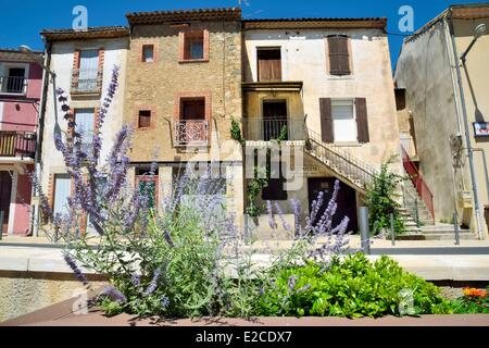 France, Herault, Espondeilhan, village settled on the location of a former Roman camp - Stock Photo
