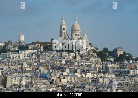 France, Paris, Basilique du Sacre Coeur (Sacred Heart Basilica) on the Butte Montmartre - Stock Photo