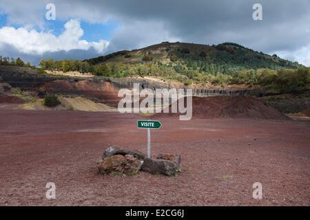 France, Puy de Dome, Parc Naturel Regional des Volcans d'Auvergne (Auvergne Volcanoes Natural Regional Park), Chaine - Stock Photo