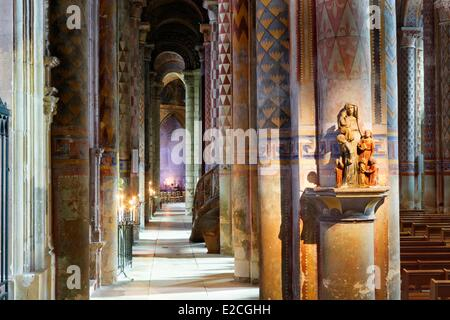 France, Vienne, Poitiers, romanesque church, Notre Dame la Grande church - Stock Photo