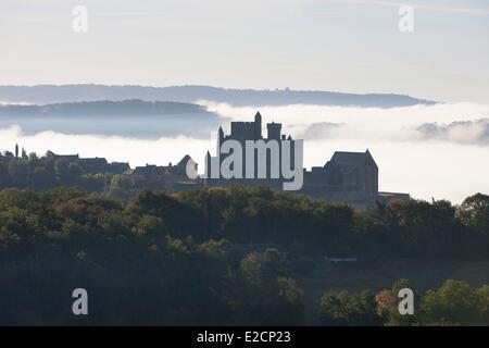 France Dordogne Perigord Noir Dordogne Valley Beynac et Cazenac labelled Les Plus Beaux Villages de France (The - Stock Photo