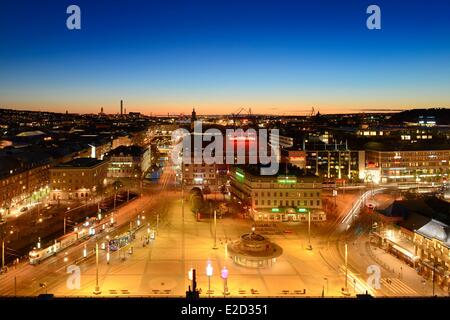Sweden Vastra Gotaland Goteborg (Gothenburg) the Drottningtorget square and the port seen from the Clarion Hotel - Stock Photo