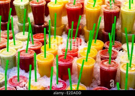 Sale of Fruit Juice on the Mercat de Sant Josep de la Boquería in Barcelona, Spain - Stock Photo