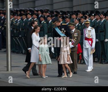 Madrid, Spain. 19th June, 2014. Spain's King Felipe VI (C), Spain's Queen Letizia (2nd L), Spanish Crown Princess - Stock Photo