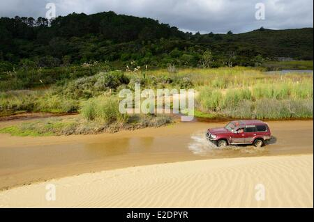New Zealand North Island the peninsula Aupori in the ??Northland region the sand dunes of Ninety Mile Beach on the - Stock Photo