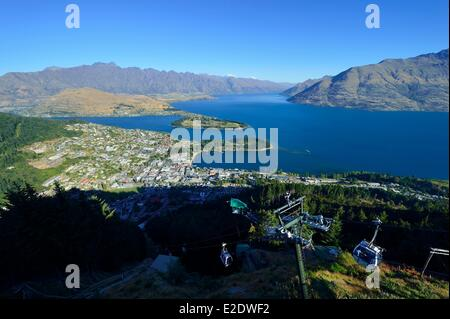 New Zealand, South island, Otago region, Queenstown on the edge of Lake Wakatipu, is world-renowned for its adventure - Stock Photo