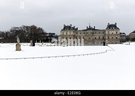 France Paris garden and Palais du Luxembourg during winter the Senat (French Senate) - Stock Photo