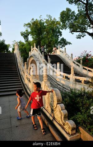 China, Guangxi province, Guilin, Double Bridge on Rong Lake - Stock Photo