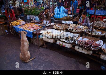 Myanmar (Burma), Karen State, Hpa-an, market, flowers - Stock Photo