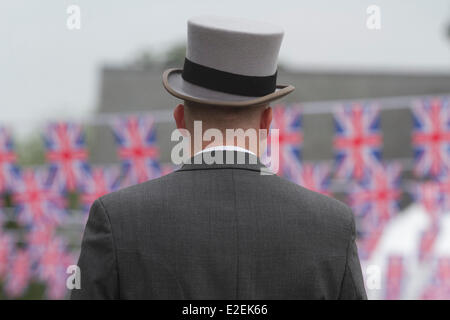 Ascot Berkshire, UK. 19th June 2014.  Ladies day at Royal Ascot - Stock Photo