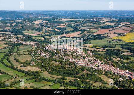 France, Tarn, Cordes sur Ciel, the village perched on the Puech de Mordagne (aerial view) - Stock Photo