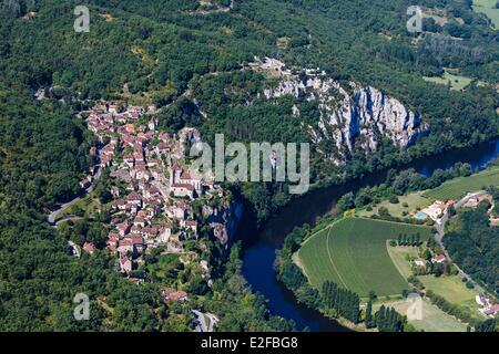 France Lot Parc Naturel Regional des Causses du Quercy Saint Cirq Lapopie labelled Les Plus Beaux Villages de France - Stock Photo